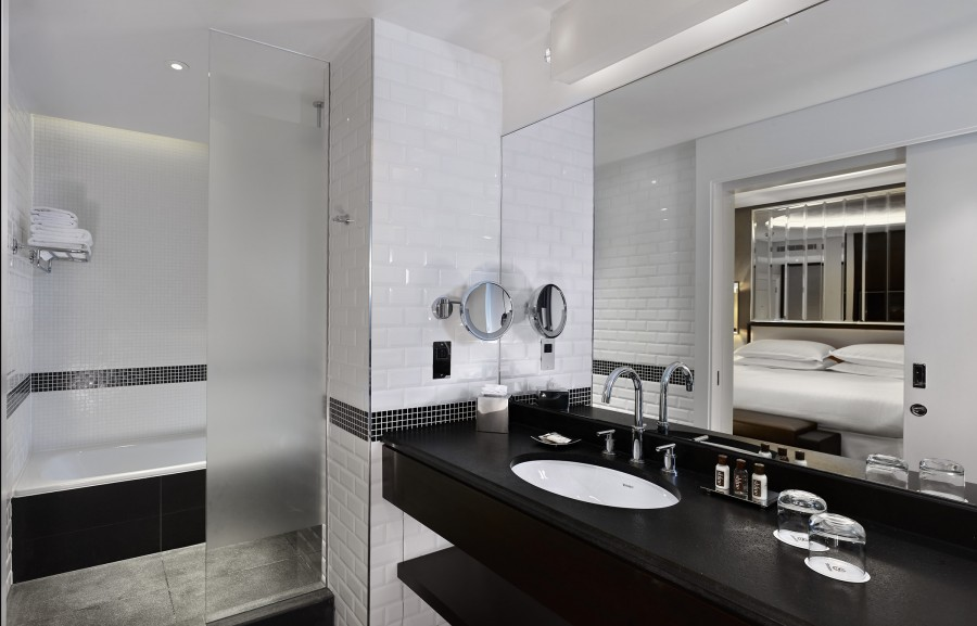 GROHE bathroom products commissioned for luxury Sheraton Grand hotel ...