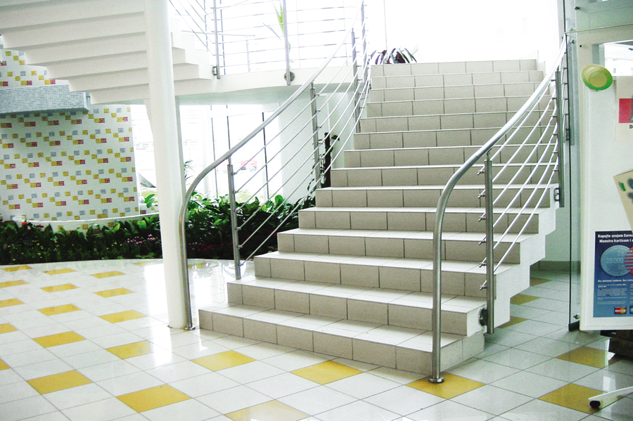 Aalco Metals Ltd   Stairs   Stainless Steel Handrail Systems