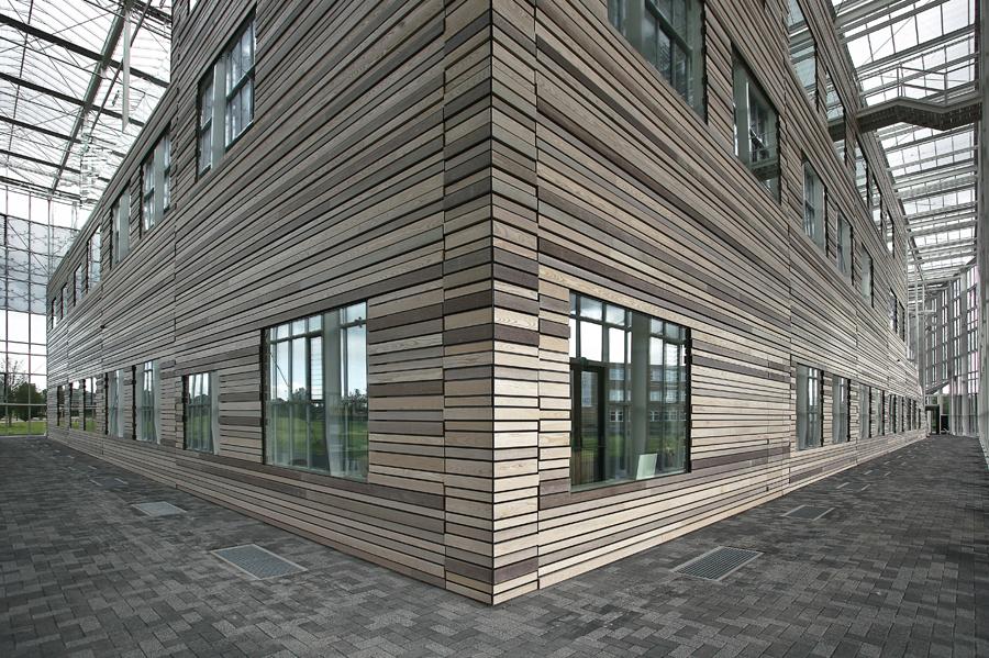 Hunter Douglas Facades Solid Wood Facades   Specification Building