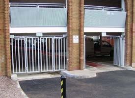 Bi-Fold Gates
