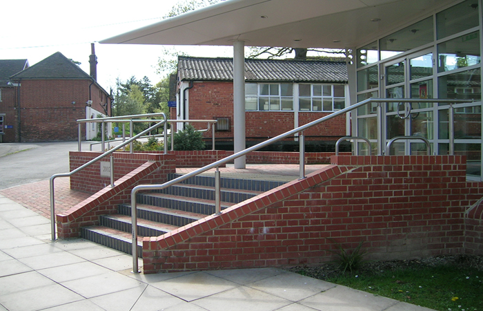 Stronghold | Tubular Stainless Steel Handrail System