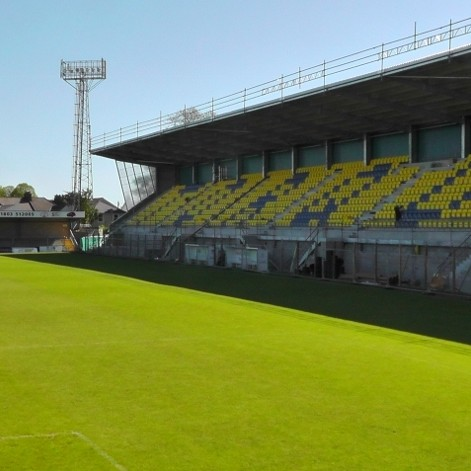 Catnic supports 1,770 seater grandstand