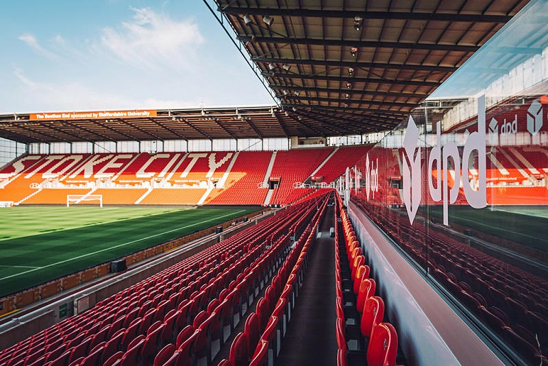 Unobstructed pitch views at bet365 Stadium