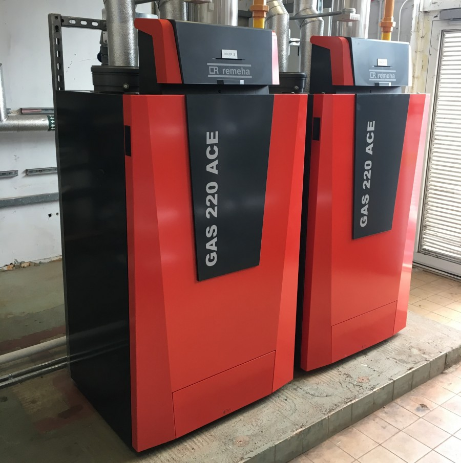 School halves gas consumption with Remeha boilers