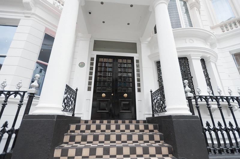 Novus revitalises Kensington hotel façade