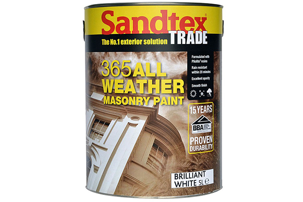 Stay outdoors for longer with Sandtex Trade 365